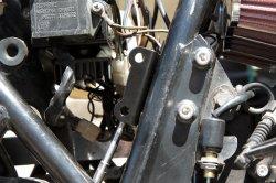 画像3: 【552】リヤマスター取り付け用ブラケット ブラック Z400FX逆車 リヤディスク化